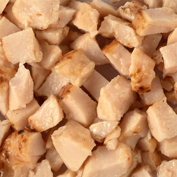 Chicken dices with almonds